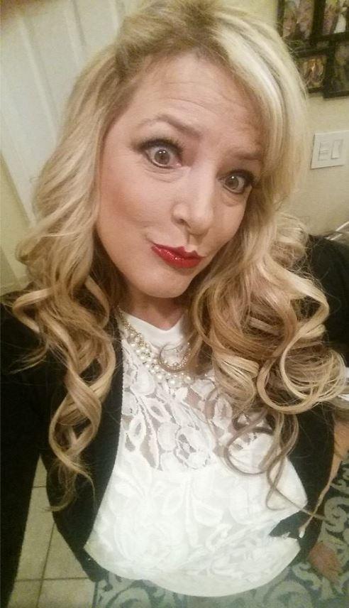 Kelly Muto Bully - Selfie Obsessed 7